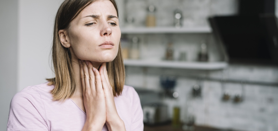 Боль в горле - симптомы вируса Эбштейна-Барра - nowyfarmacja.pl